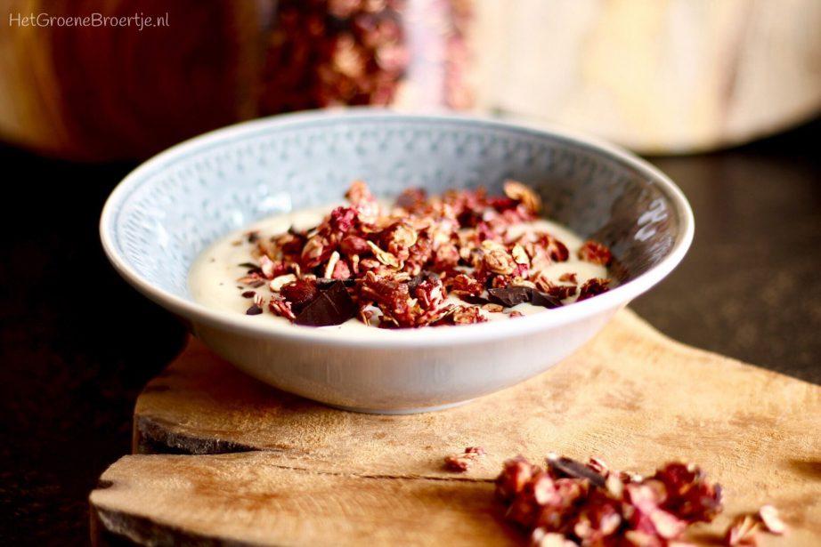 Recept   Vegan frambozen granola met hazelnoten