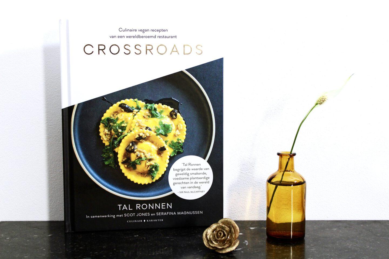 Recensie: Crossroads – Tal Ronnen