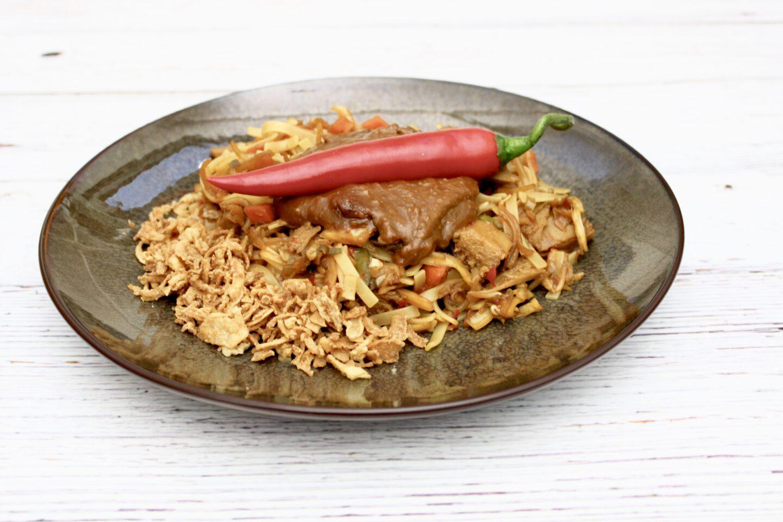 Recept | Vegan Bami met kipstukjes
