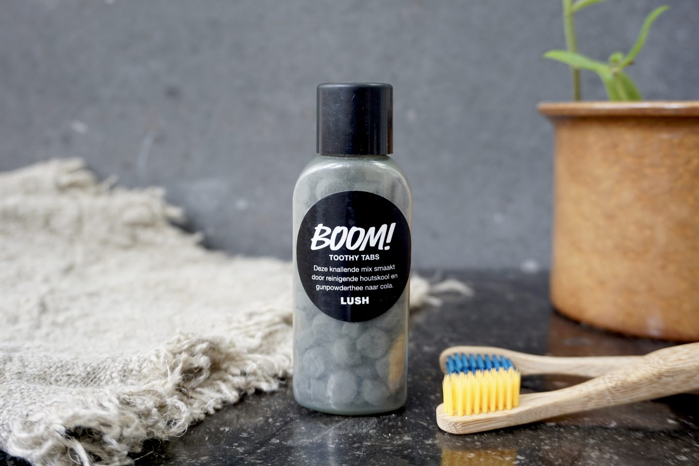 Review Boom! Toothy Tabs Lush